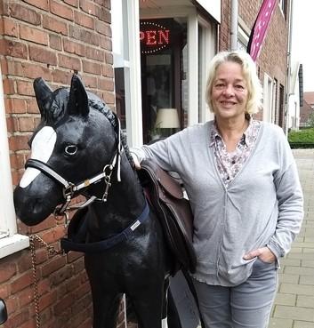 Een winkel om kinderen te helpen aan de Velserduinweg in IJmuiden