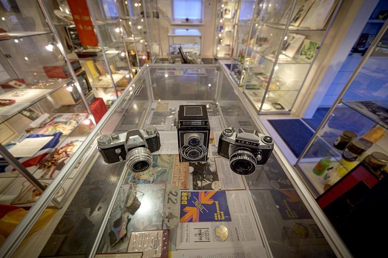 DDR is dertig jaar na 'Mauerfall' nog tastbaar in museum in Monnickendam