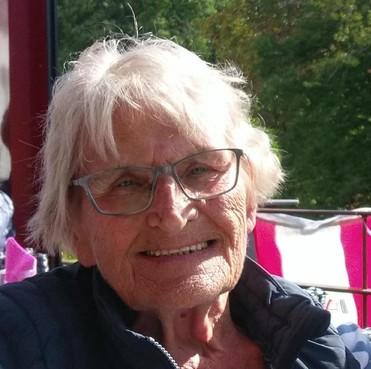 Over de doden: Lien Kenselaar-Van den Berg, vanuit hart en ziel werken met kanslozen