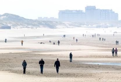Kalmte op stranden na oproep thuis te blijven