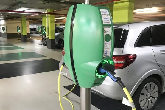 Innovatiecafé over energie, elektrisch rijden en digitaal ondertekenen