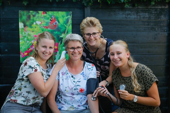 't Zit in de familie Mak: Samen in de zorg