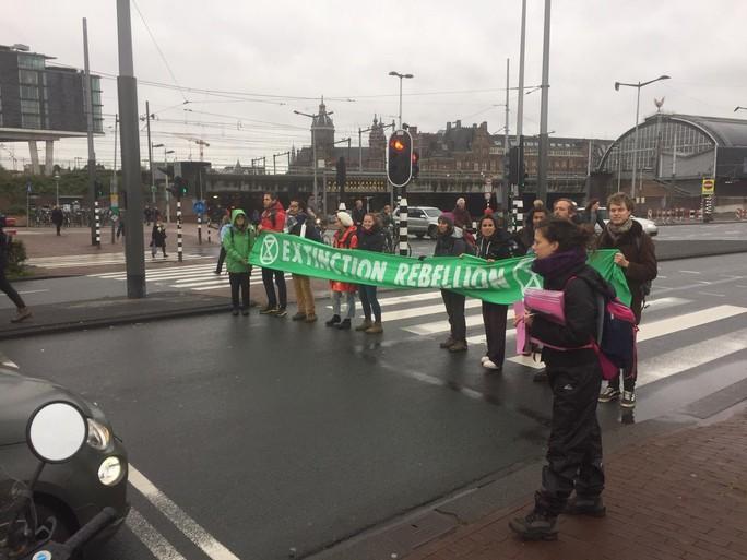 Klimaatrebellen willen zaterdag nog een keer 'knallen' [video]