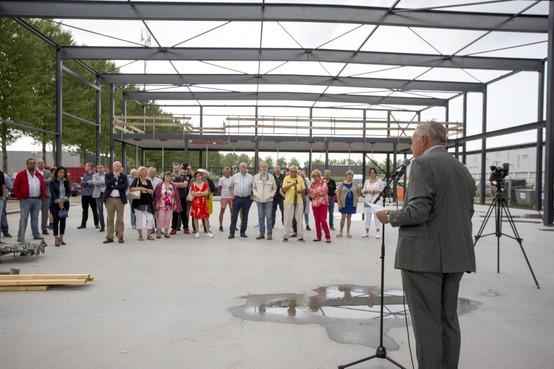 Contouren van nieuwbouw Voedselbank Haarlemmermeer op De President in Hoofddorp zijn zichtbaar