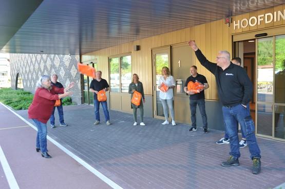 Goodiebags van Beverwijks garagebedrijf voor speciale leerlingen