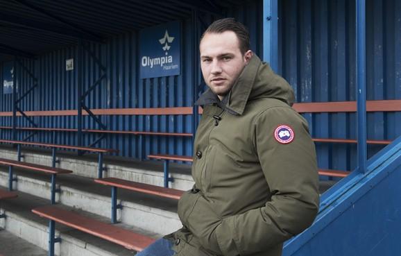 Trainer Barry Tjeertes verlengt zijn contract bij Olympia Haarlem tot het seizoen 2023/2024