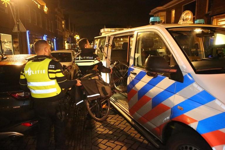 Man op elektrische fiets wordt geschept door auto in Heemstede