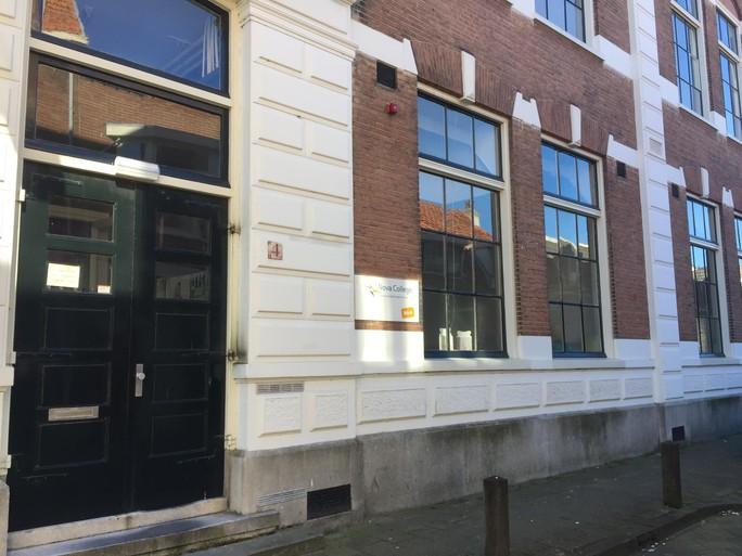 'Het knusse gaan we missen'; opleiding assistenten gezondheidszorg verlaat negentiende-eeuws schoolgebouw aan Haarlemse Schoterstraat