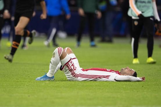 Ajax ziet Noussair Mazraoui uitvallen met enkelblessure