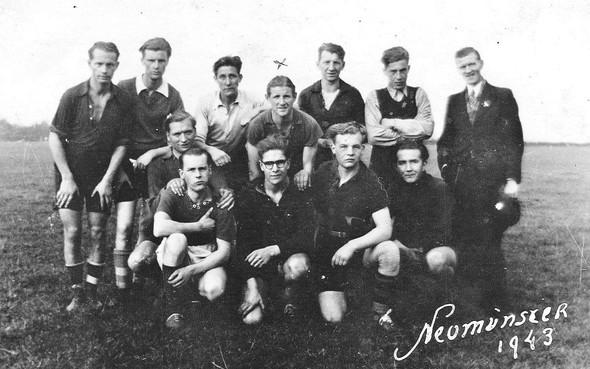 West-Fries potje voetbal tussen Duitse barakken