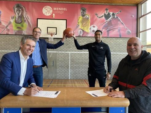 Intensieve samenwerking tussen basketbalvereniging Triple Threat en Mendelcollege moet leiden tot 'Haarlem Sportstad 2.0'