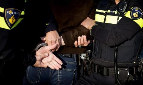 Verdachte vlucht en belandt in tuin van Zandvoorts politiebureau