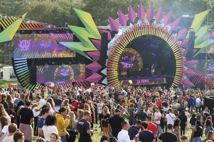 Latin Village wil Velserbroek ook volgend jaar met hekken afsluiten: 'Wat mij betreft wordt dit standaard'