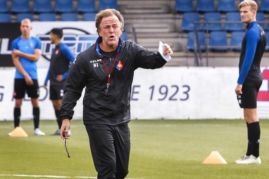 Trainer Mike Snoei verlaat Telstar voor De Graafschap