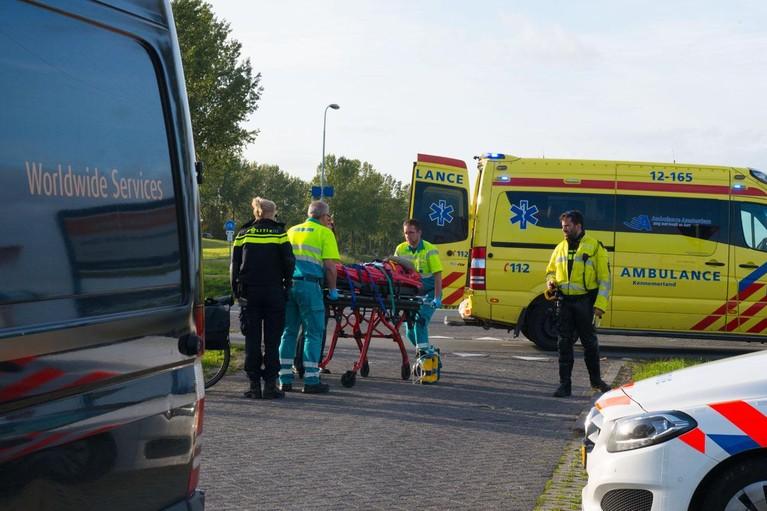 Scooterrijdster gewond bij ongeluk in Hoofddorp