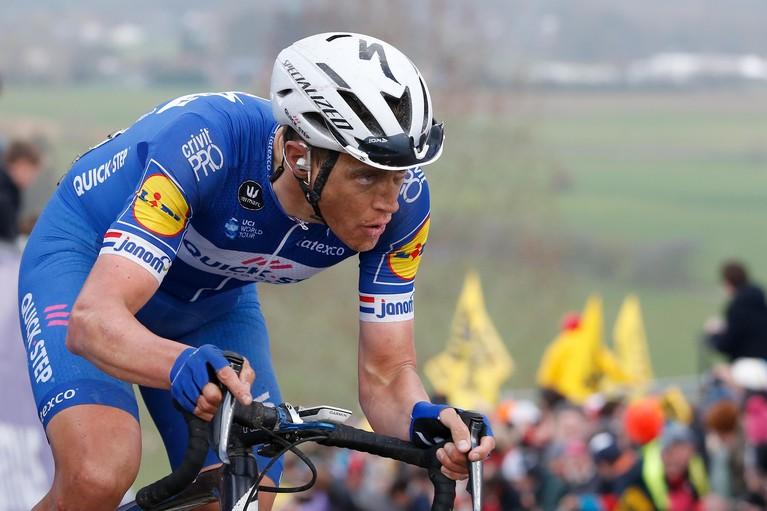 Toen er op 1 april nog wél gesport werd: de Ronde van Vlaanderen kleurt oranje door dubbel Nederlands succes