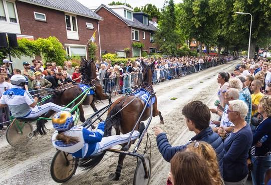 Geen kortebanen, dan op de fiets langs de locaties in de IJmond