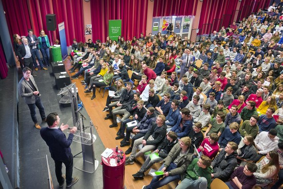 Mendelcollege uit Haarlem staat zaterdag in debatfinale NK