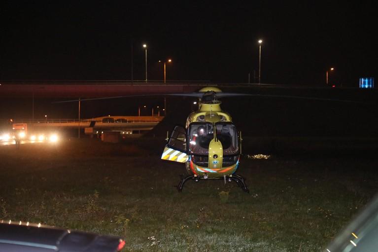 Motorrijder ernstig gewond bij ongeval in Lijnden, traumahelikopter geland